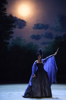 Danae Kontora (2016: Queen of the Night)