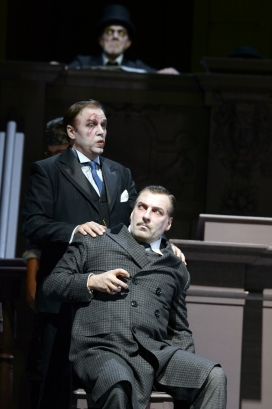 Andreas Bauer (Teresias, seated) & Peter Marsh (Oedipus)